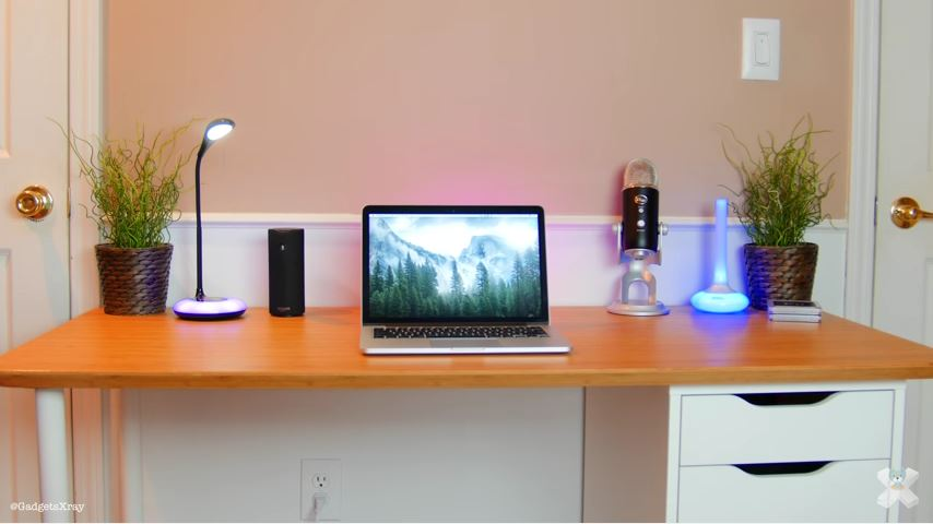 Gadgets Xray's video review of several ENHANCE MoodBRIGHT products