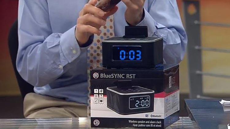 Matt Granite WKYC showing off the GOgroove BlueSYNC RST clock